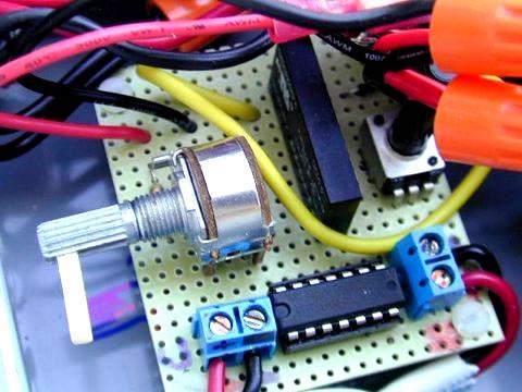 差分温度控制器电路板图